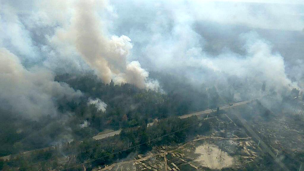 Загрязнение без границ: в годовщину Чернобыльской трагедии, в зоне отчуждения до сих пор пылают пожары, которые ухудшили качество воздуха с севера на юг Украины